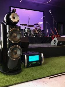 Bowers & Wilkins 800 D3 Showcase with local talent1