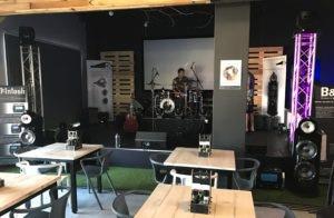 Bowers & Wilkins 800 D3 Showcase with local talent2